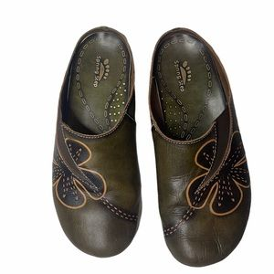 Spring Step Dalila Leather Clogs. Size 38 (7.5).